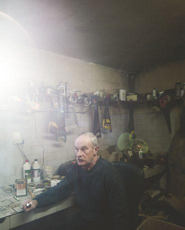 Ayer photographe aubigny vendee parents enfance souvenir moment calme dans l'atelier