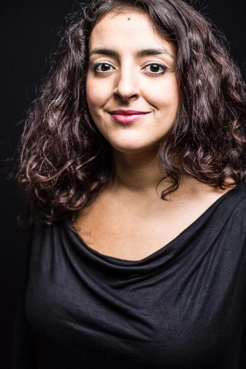 Ayer photographe original Caroline Alaoui comedienne rennes la joie sur le visage