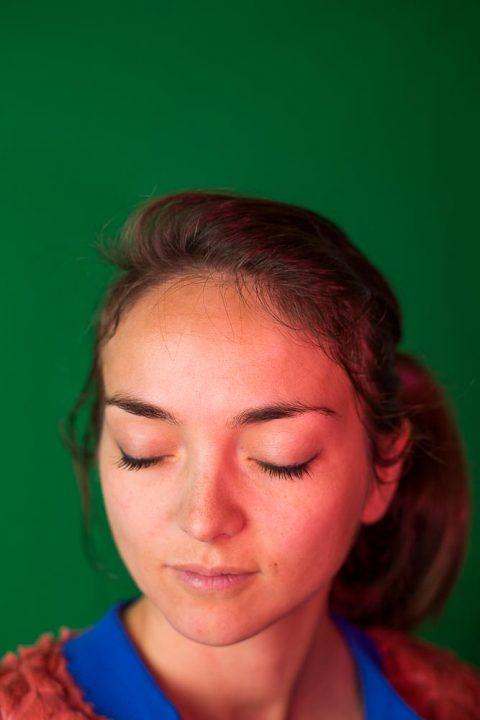 Ayer photographe rennes portrait d'une styliste au sein de l' association sis