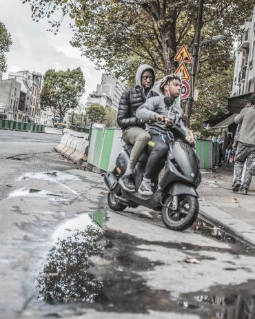 Ayer-photographe-paris-urbain-derive-scooter