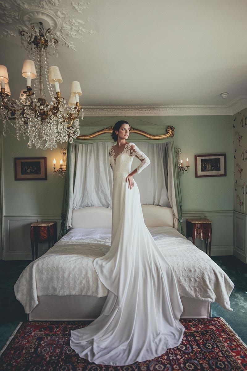 Mariage lifestyle retro au chateau d'apigne chaleureuse ambiance