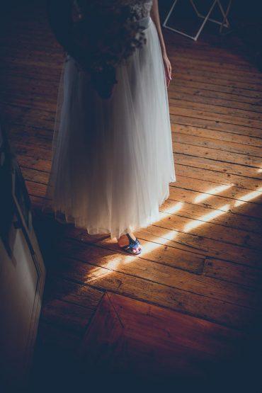 Mariage capteur d'emotion clichés precieux moderne saisir instant decisif robe lumière