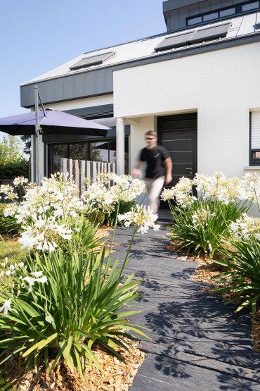 Shooting de cette maison bioclimatique à Betton signée Les Maisons Rennaises.Photographie d'architecture d'intérieure et extérieure Guillaume Ayer